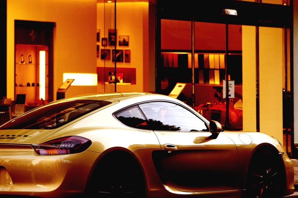 【副業紹介】運転代行は自動車好きに最適な副業